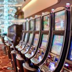 Why Should You Opt for Live Casino?